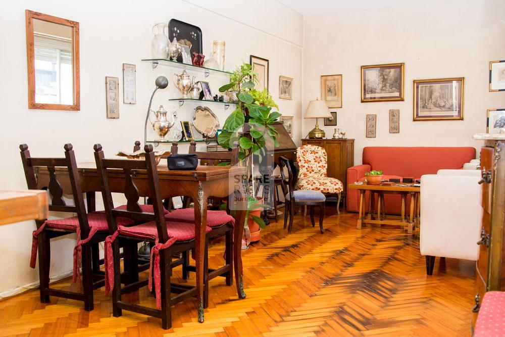 Living and dining room at Recoleta