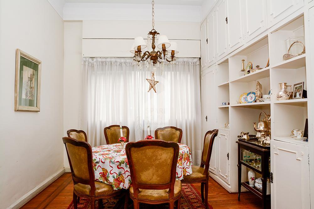 Dining room in Recoleta